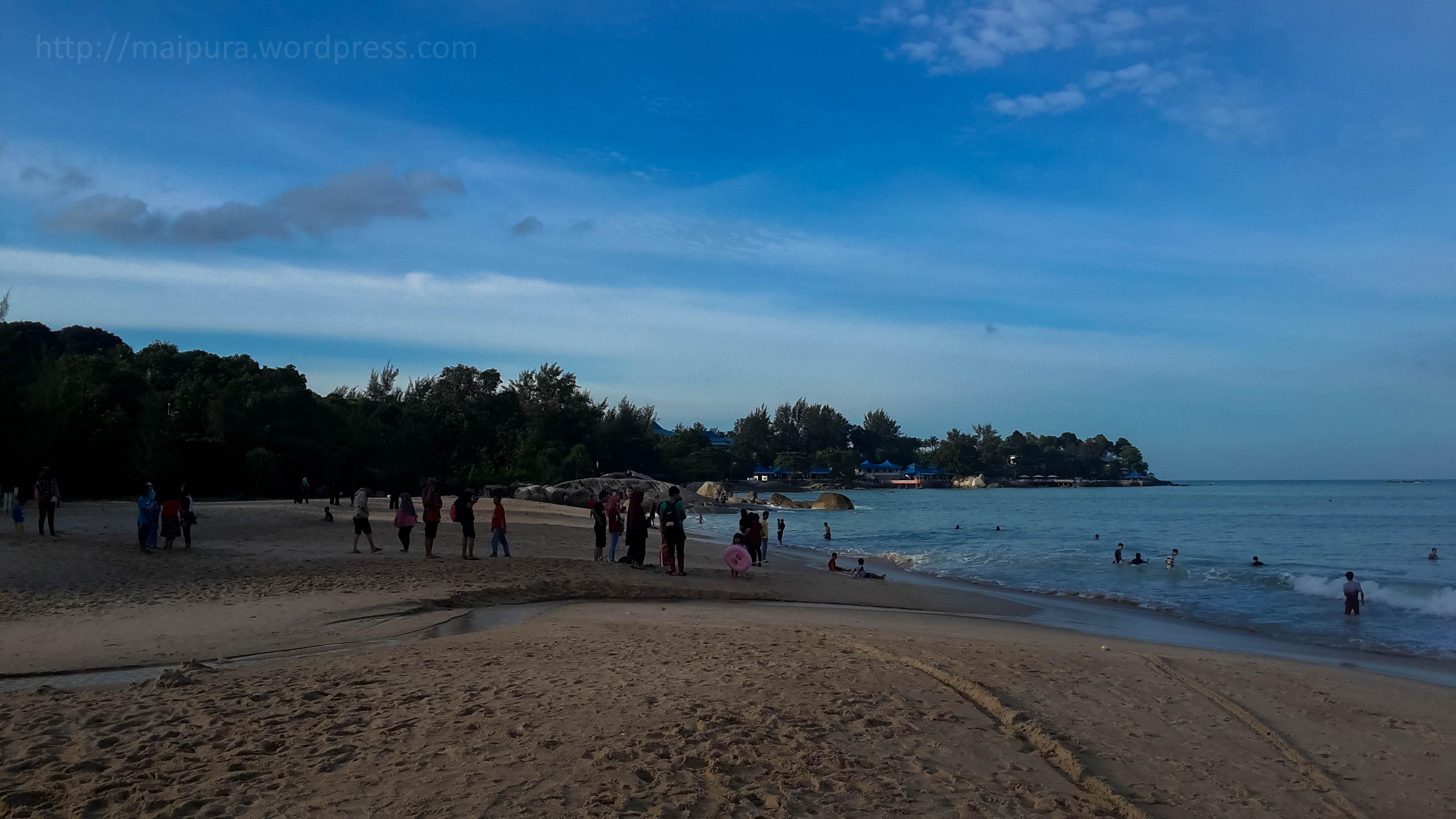 cottage Tanjung Pesona kelihatan dari Pantai Tikus Emas